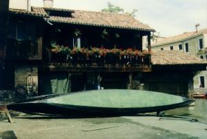 gondola hull bottom