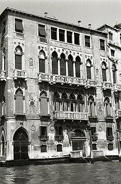 236px-Paolo_Monti_-_Serie_fotografica_(Venezia,_1969)_-_BEIC_6331406
