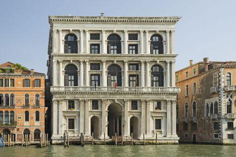 Palazzo_Grimani_di_San_Luca_(Venice)