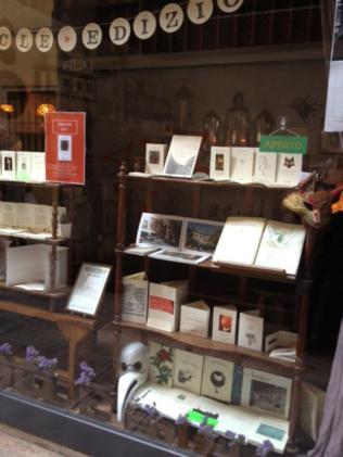 Damocle Edizioni, which publishes Rita's books.