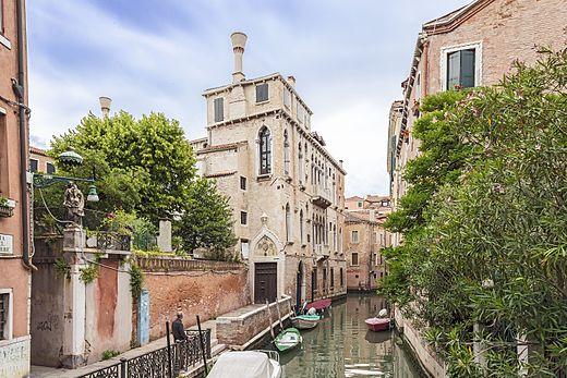 Palazzo_Soranzo_Van_Axel_(Venice)